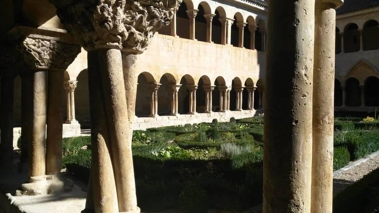 columnas torsas en Silos